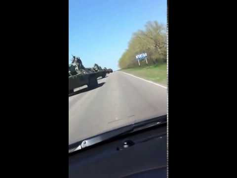 Новошахтинск  Колонна российской военной техники едет к границе 24 04 2014 HD