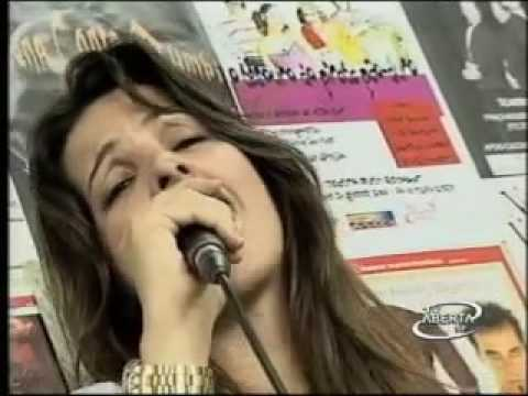 Cláudia Rezende em entrevista na tv aberta