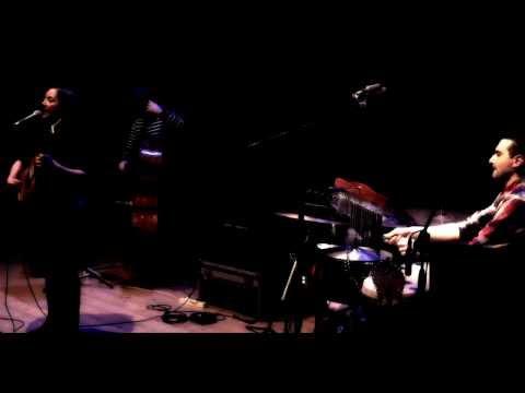 """""""Fugacidad"""" en vivo en el Teatro Concordia de San Benedetto del Tronto"""
