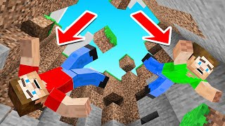 MINECRAFT But ALL BLOCKS Have GRAVITY!