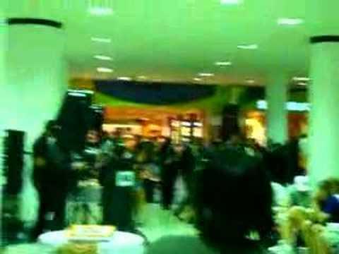 int'l miami airport latin music