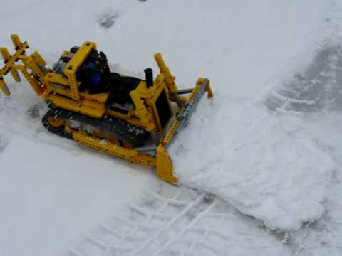 Lego Technic 8275 in the snow