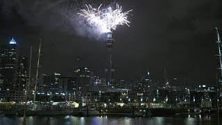 New Zealand welcomes 2019 with colorful fireworks