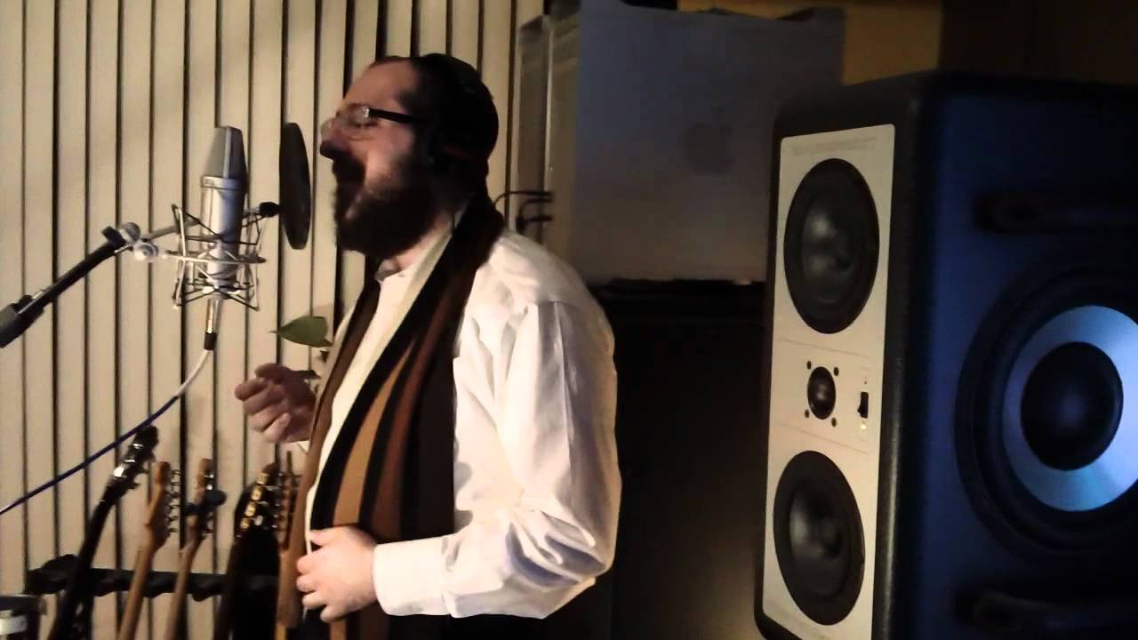 Shragy Gestetner Debut Album - Recording in Studio
