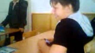 Куринный реп на уроке ))))