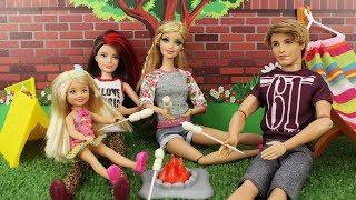 O Acampamento ASSUSTADOR da Barbie - Novelinha da Barbie Beatriz em Portugues