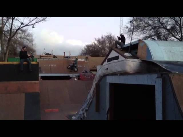 BACKYARD #BMXLIFE - BMX Pro Daniel Sandoval Riding 9yr old Kaden Stones 16 Bike - Bens Backyard