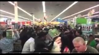 Американцы опустошают полки магазинов Черная пятница(, 2015-11-27T11:10:33.000Z)