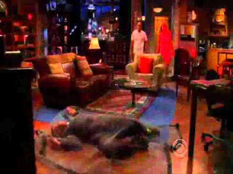 The big bang theory-Sheldon activates the thieves trap
