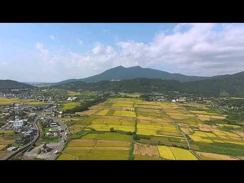 筑波山付近農業・稲刈り マルチコプター空撮映像