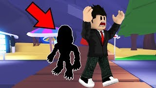 ROBLOX-HAS A MONSTER ON THE NEW BEACH OF ADOPT ME