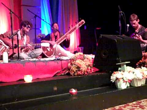 """Namaste Sate"" - Aradhna LIVE In NYC October 2011"