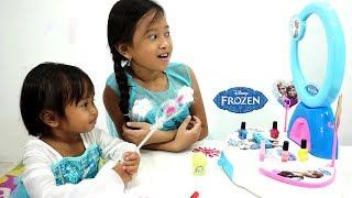 Princess Elsa Makeup 💖 Mainan Meja Rias Anak + Baju Frozen  💖 Let's Play Jessica Jenica