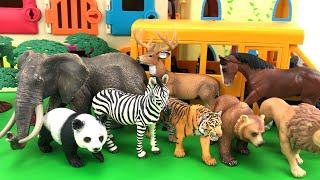 ZOO Animals Getting Of Playmobil School Bus/Schleich Safari Animal Lot/Fun Video For Baby And Kids