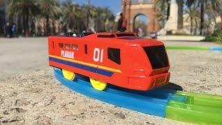 Plarail Expo 01 Train visit Arco de Triunfo de Barcelona, Spain (03819)
