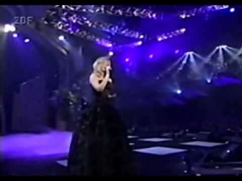 LeAnn Rimes - On The Side Of Angels (live)