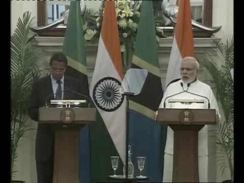 PM Modi & President of Tanzania Jakaya Kikwete at the Joint Press Statement