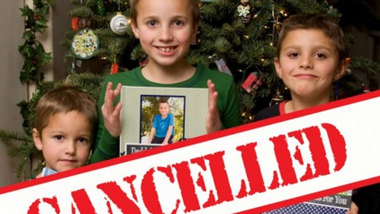 Mother Cancels Christmas Because Of Her Naughty Children - YouTube
