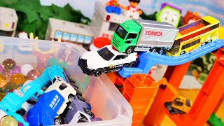 solchannel #そるちゃんねる #はたらくくるま そるちゃんねるはおもちゃ遊びを通して、色や乗り物の名前、ルールや片付けなどを楽しく学べる動画作りに力を注いでいます。