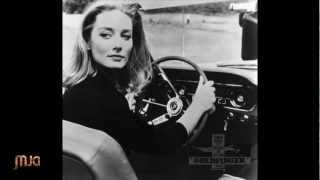 Adele - SkyFall - Sounds like Thunderball..60's Bond Version