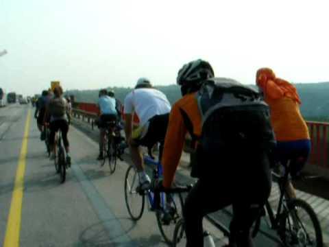 IV Marathon ride over Danube bridge near Beska 26 09 2009