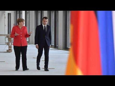 قمة فرنسية ألمانية لبحث سبل إصلاح منطقة اليورو في ظل تفاقم أزمة الهجرة
