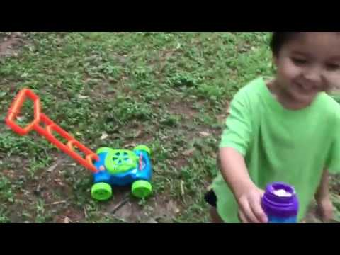 Unboxing REVIEW Lydaz Bubble Mower Electronic Walker Bubble Machine Lawn Games Outdoor Toys For Kids