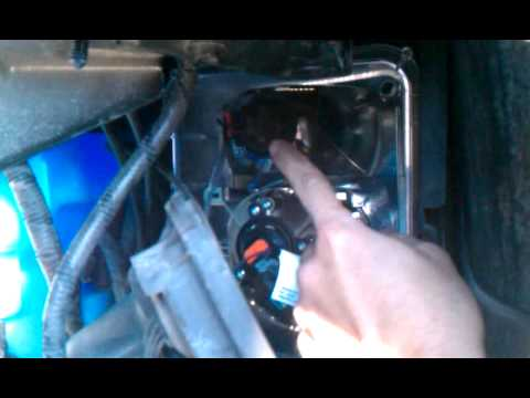 hqdefault cadillac srx turn signal bulb replacement 2005 part 2 youtube  at soozxer.org