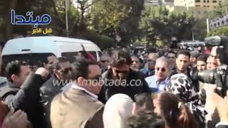 فيديو| المشير طنطاوى يواسى زوجة حمادة إمام