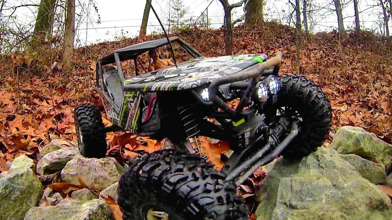 Axial Wraith Rock Crawling Electric Rc Truck 4wd Youtube