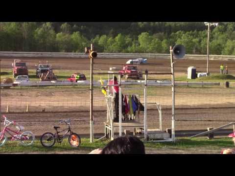 Hummingbird Speedway (6-10-17): Swanson Heavy Duty Truck Repair Semi-Late Model Heat Race #1