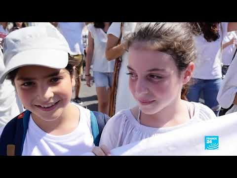 West Bank: 10,000 Israeli and Palestinian women rally for peace