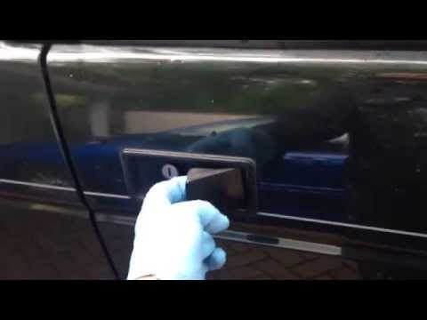 How to Fix the Door Handle – Landrover Discovery 1
