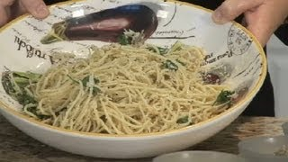 Recipe With Butter, Garlic, Parmesan Cheese & Spaghetti Noodles : Italian Recipes