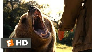 We Bought a Zoo (1/3) Movie CLIP - The Escaped Bear (2011) HD