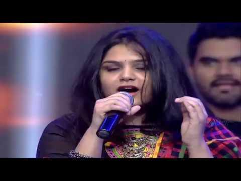 Thaman Live Perfomance @ Aravindha Sametha Pre Release Event   Jr. NTR, Pooja Hegde   Trivikram