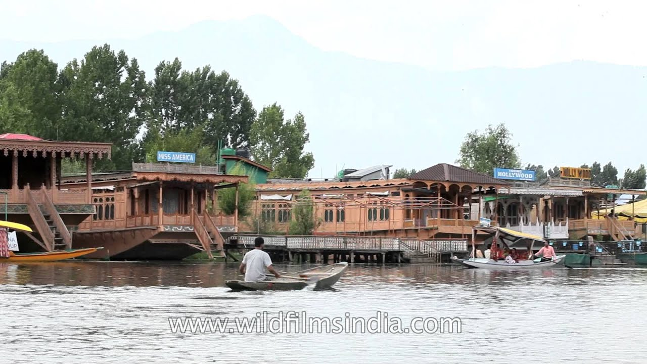 Houseboats The Floating Luxury Hotels In Dal Lake Kashmir