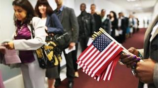 Dự luật di trú mới: Con có quốc tịch có bảo lãnh được cha mẹ và anh em không?