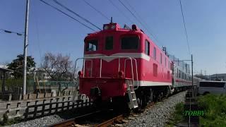 後部は桃色機関車デキ504。前回に引き続き押し込み運用となりました。好...