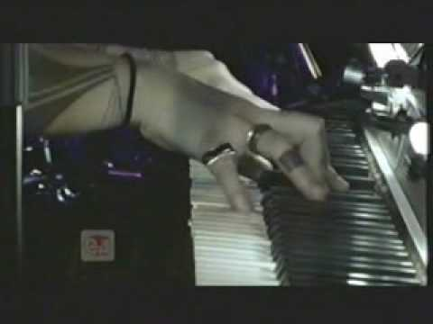Hollie Smith - Long Player Live Part 1