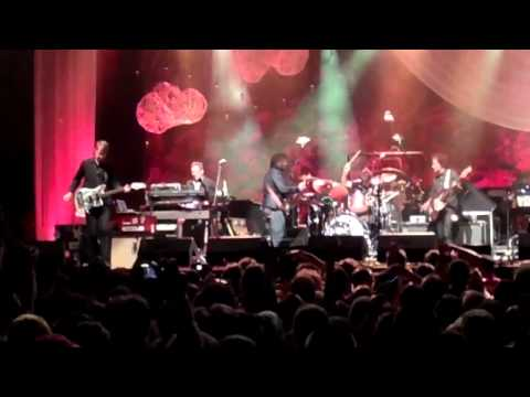 the-boys-are-back-in-town-&-cut-your-hair---wilco,-solid-sound-2013