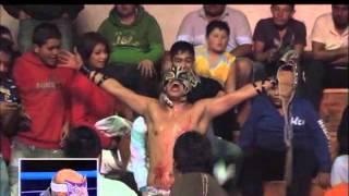 Cíclope, Aeroboy y Draztick Boy, previo a su duelo de máscaras, en Tercera Caída
