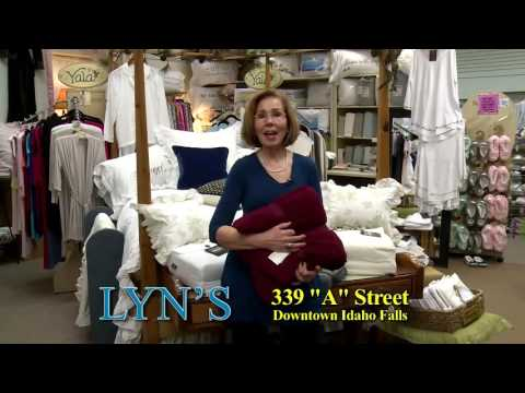 Lyn's   December 2016 Bed Linens