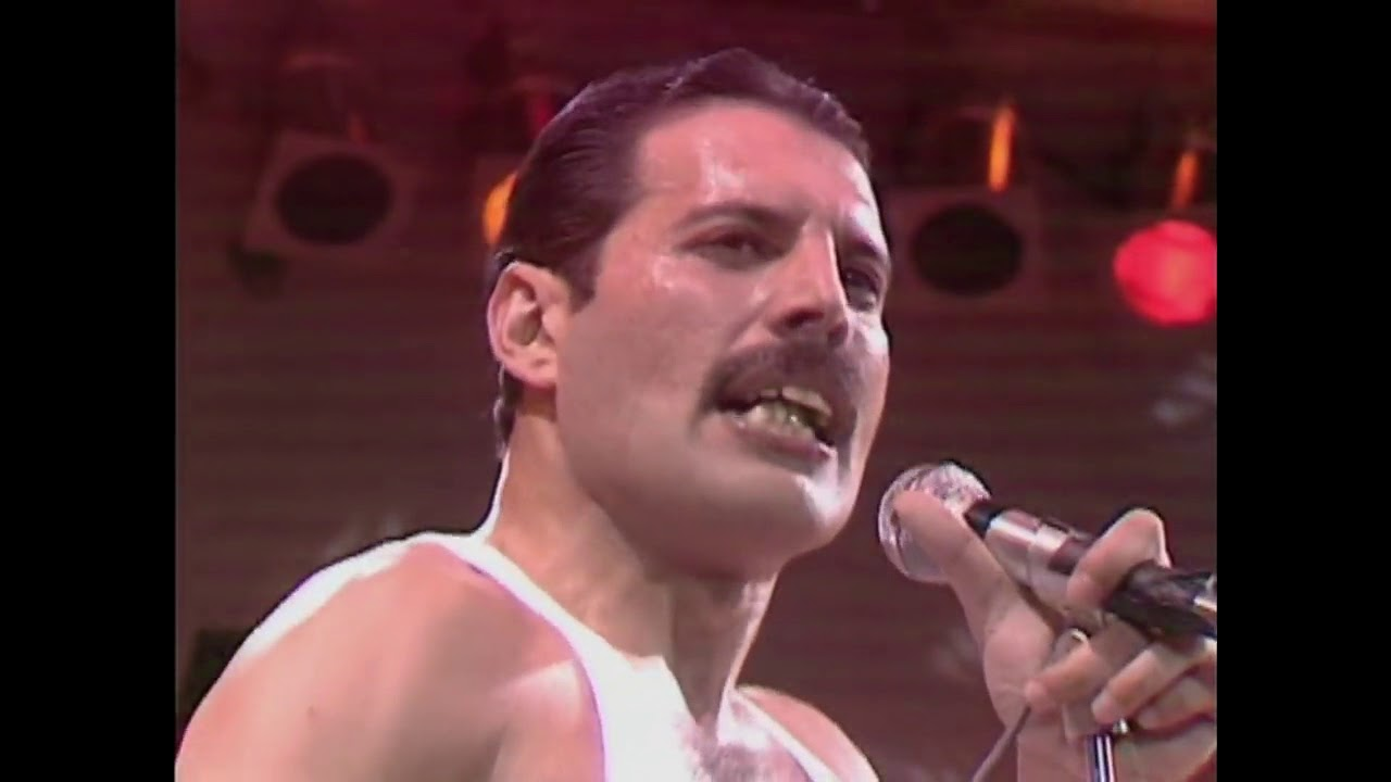 queen at live aid 1985 youtube. Black Bedroom Furniture Sets. Home Design Ideas