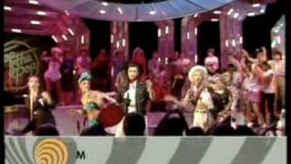 The Belle Stars - The Clapping Song TOTP