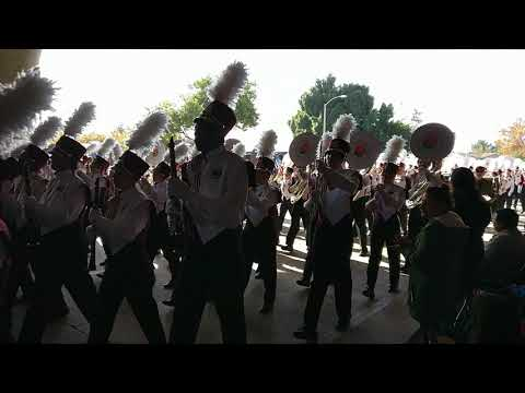 University of Massachusetts Minuteman Marching Band 2018 Rose Parade - Final stretch