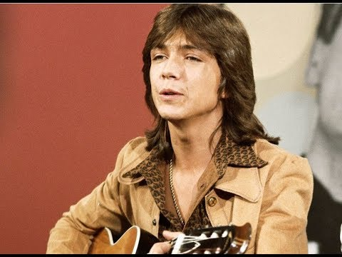 ⭐ David Cassidy...in a medley of songs with friends ⭐