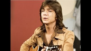♥ David Cassidy...in a medley of songs with friends ♥