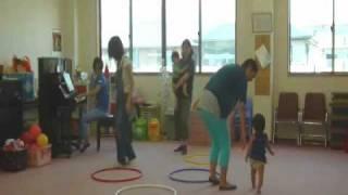 ピアノショップ沼津音楽教室で行われているリトミック教室、0歳児クラス...