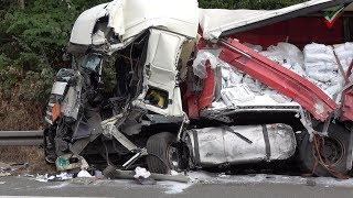 A1: LKW-Unfall am Stauende - Rettungshubschrauber Christoph Dortmund D-HAWK im Einsatz